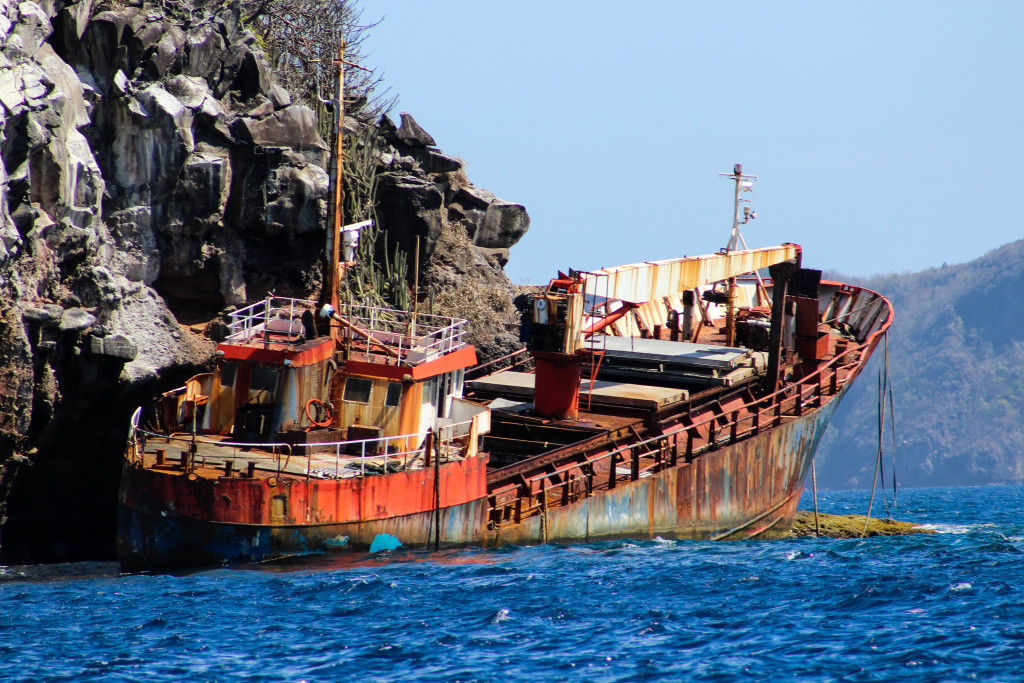 Wreck right before entering Bequia